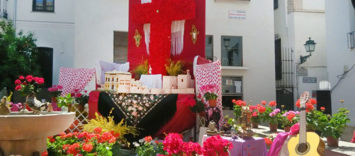 Origen de la Fiesta de las cruces de Granada - Blog Granada
